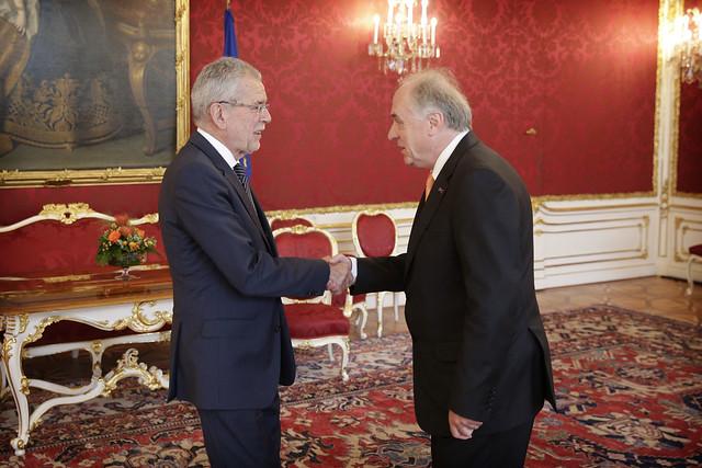 17.06 IIASA leadership meets Austrian President