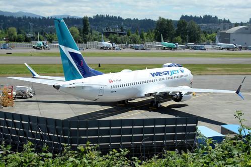 Boeing 737 MAX 8 WestJet C-FRAX LN6384