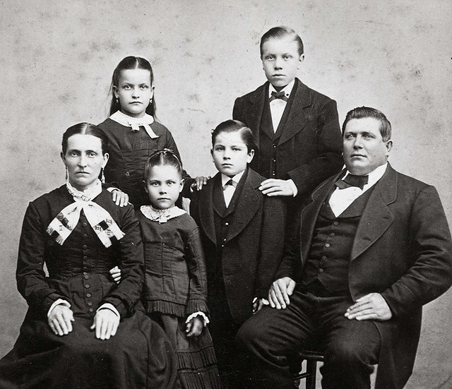 Jacob-Leinenkugel-family-1842