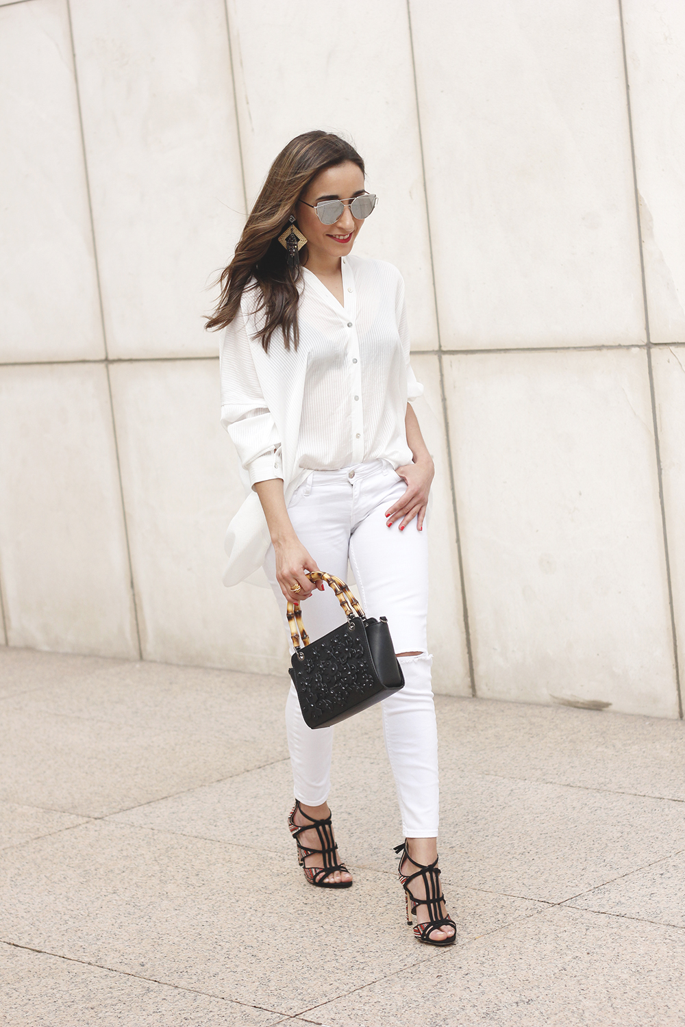 white outfit uterqüe bag heels summer style7