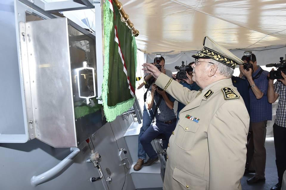 الجزائر تستلم الفرقاطة الثانية  من اصل اثنين (2) فرقاطات الالمانية [ Meko A-200 AN / المدمر 911 ]   34864246145_0f08279d24_o