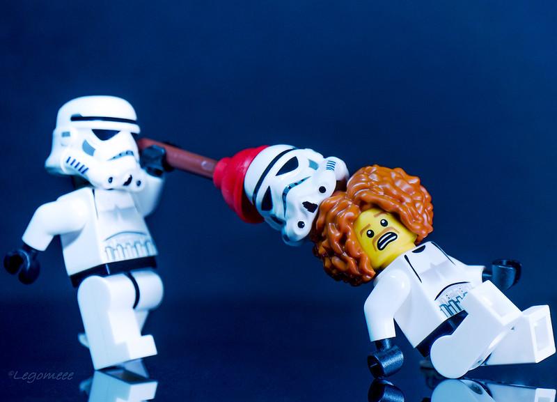 Αστείες φωτογραφίες με LEGO - Σελίδα 19 34865271182_b58f383437_c