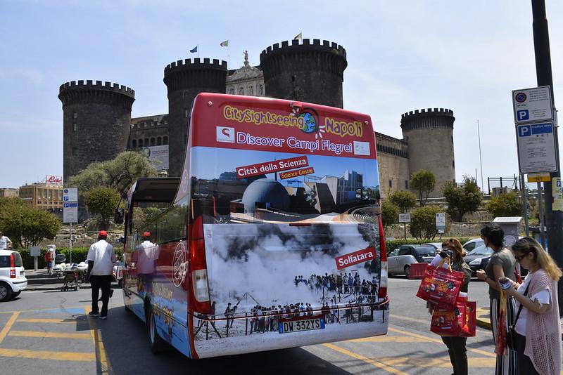 Al via la nuova linea del City Sightseeing Discover Campi Flegrei. Il bus rosso fa tappa a Città della Scienza e alla Solfatara