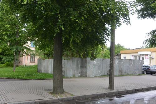 Мамчури і пам'ятник
