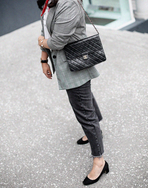 blazer-gris-cuadros-bershka-bandana-roja-mom-jeans-myblueberrynightsblog2