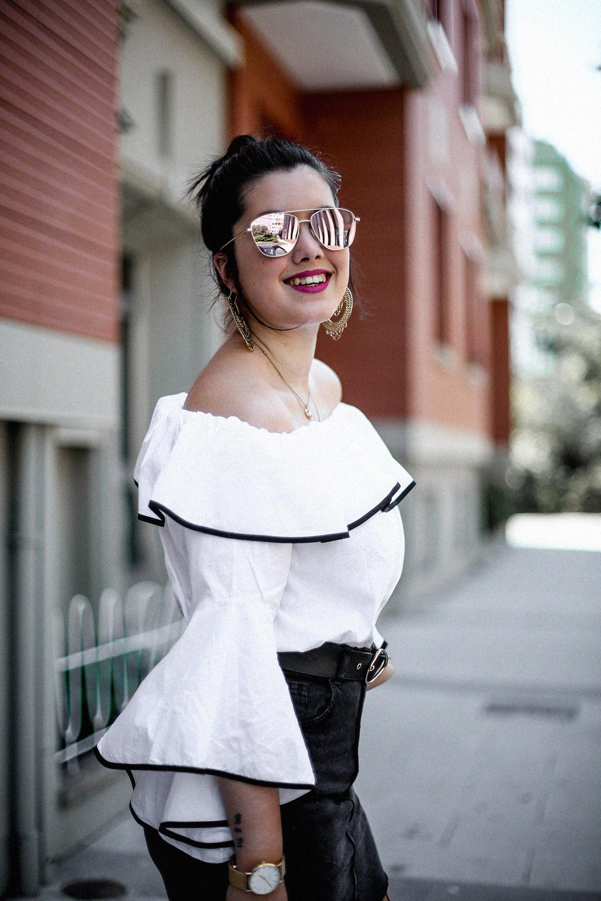ruffle-top-off-shoulder-sunper-sunglasses-basket-bag-look6