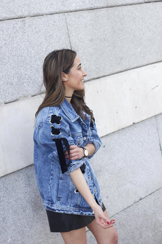 denim jacket leather skirt black heels outfit style fashion summer14