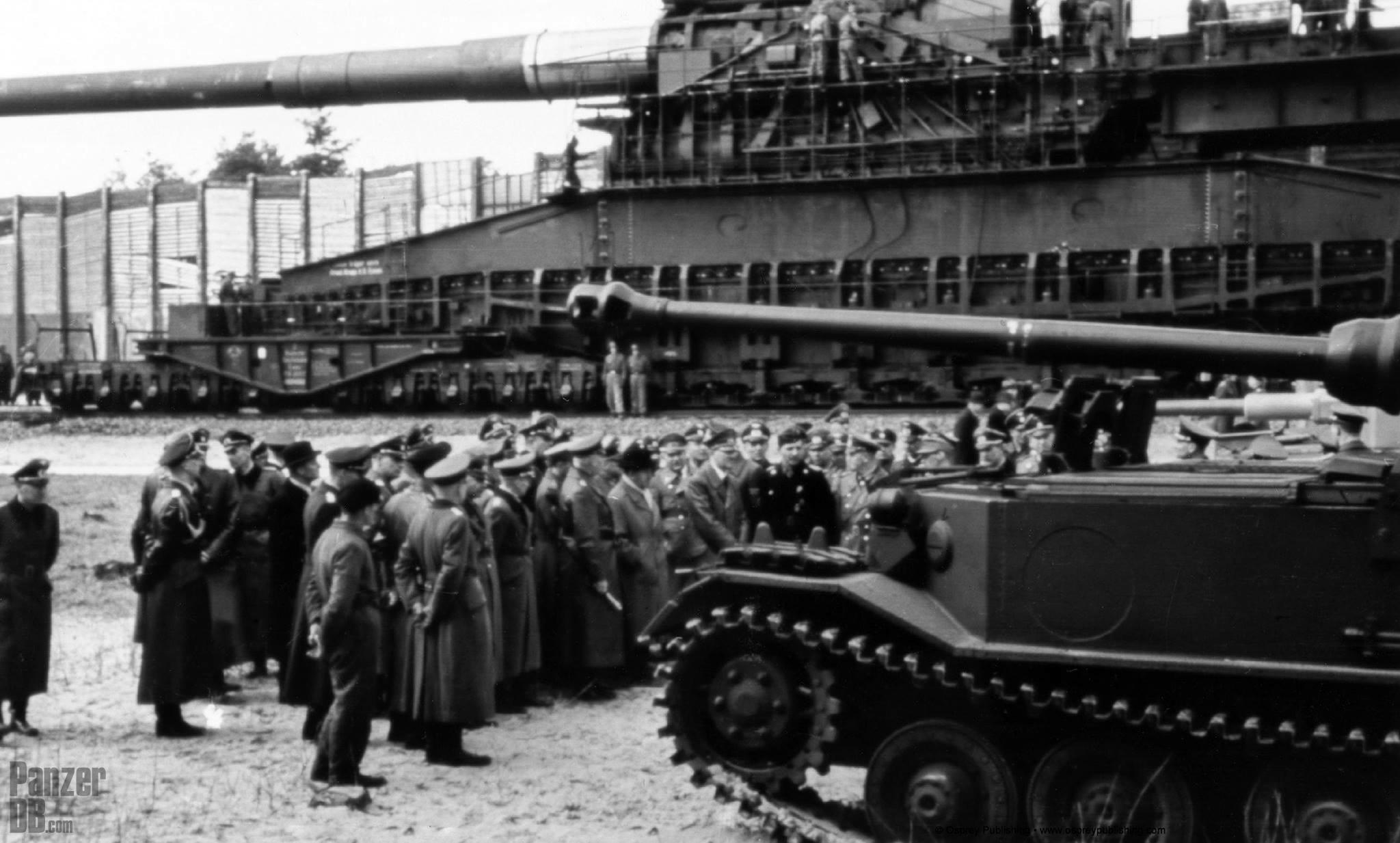 Panzerj 228 Ger Tiger P Ferdinand Next To The 800mm Dora