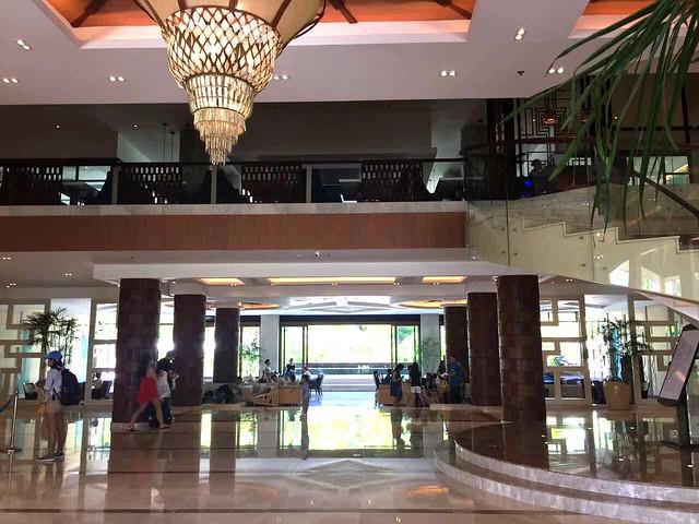 Henann Bohol lobby