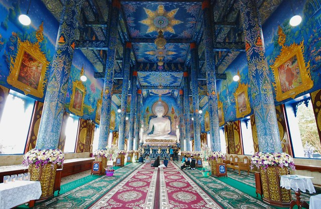 chiang rai thailand blue temple wat rong suea ten