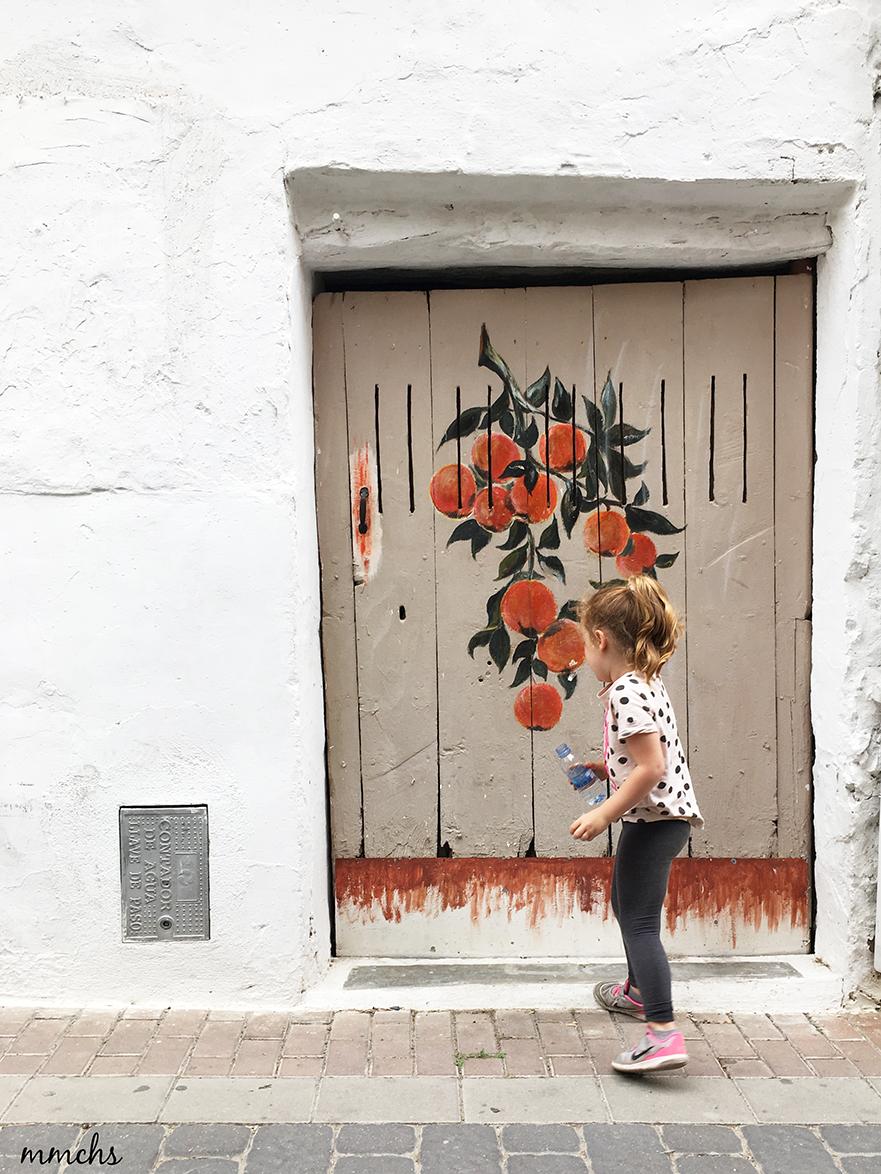 puerta con mucho arte