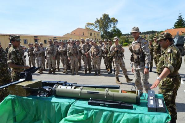 الجزائر : صلاحيات نائب وزير الدفاع الوطني - صفحة 14 34863508656_910653ce4c_o