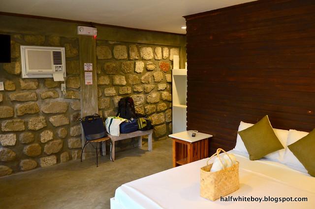 halfwhiteboy - ted's bed and breakfast, sta cruz, laguna 08