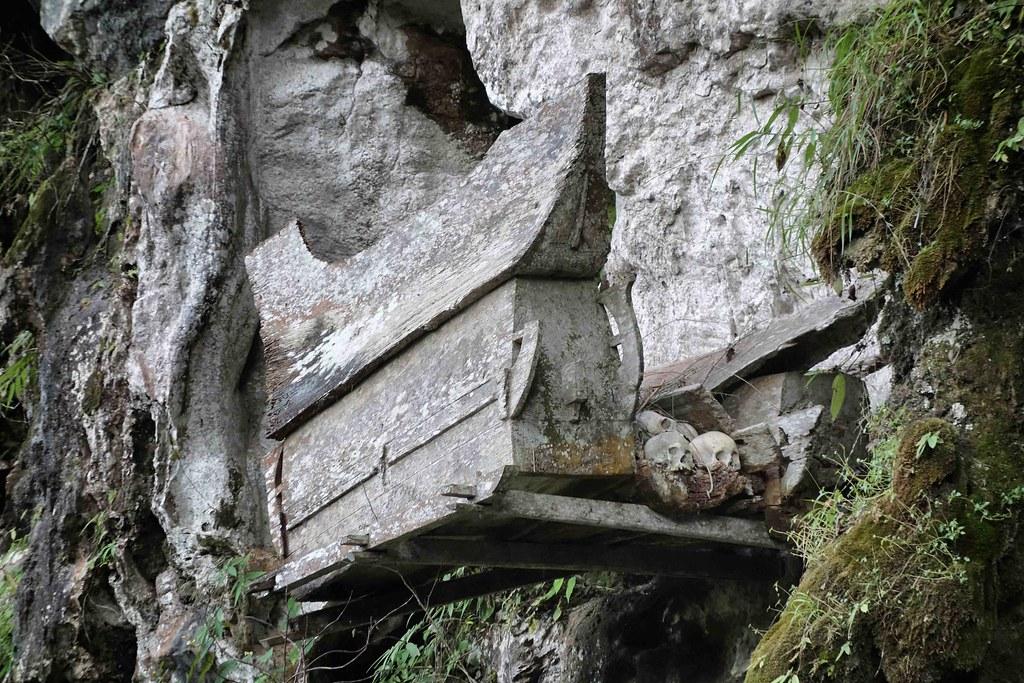 Rantepao - Ke'te Kesu - Cercueil Falaise
