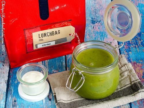 Sommersuppe aus Gurke, Erbsen und Salat (5)
