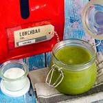 Sommersuppe aus Gurke, Erbsen und Salat
