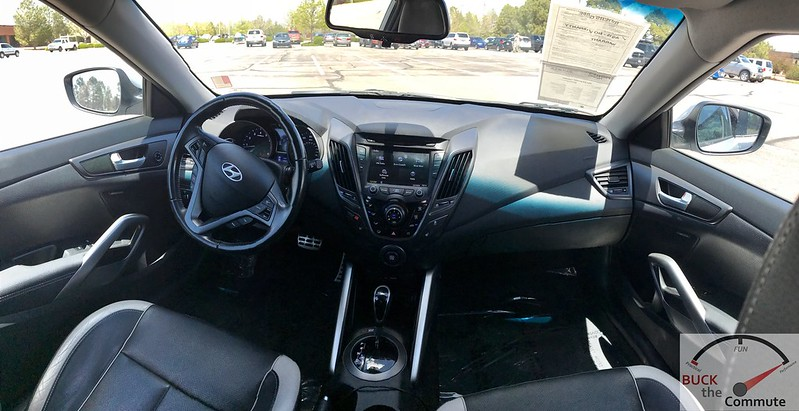 2013 Veloster Turbo Dash and Infotainment | Buck The Commute