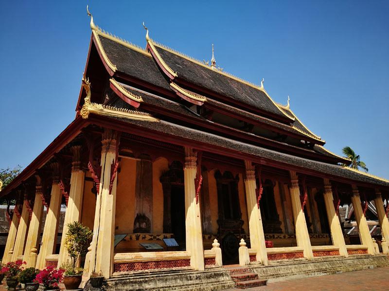 sisaket temple | www.wearejuanderers.com