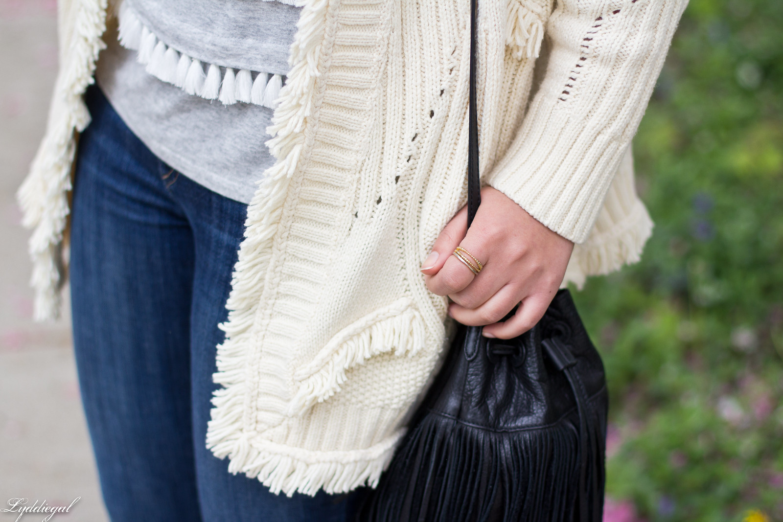 fringe sweater, tassel tee, bucket bag, wool fedora-21.jpg