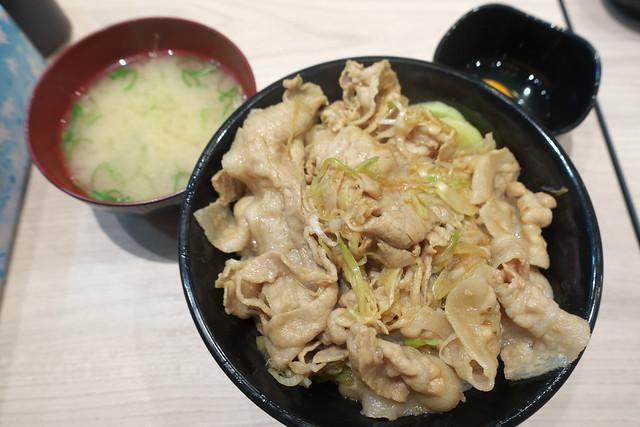 伝説のすた丼屋 札幌駅前店_05