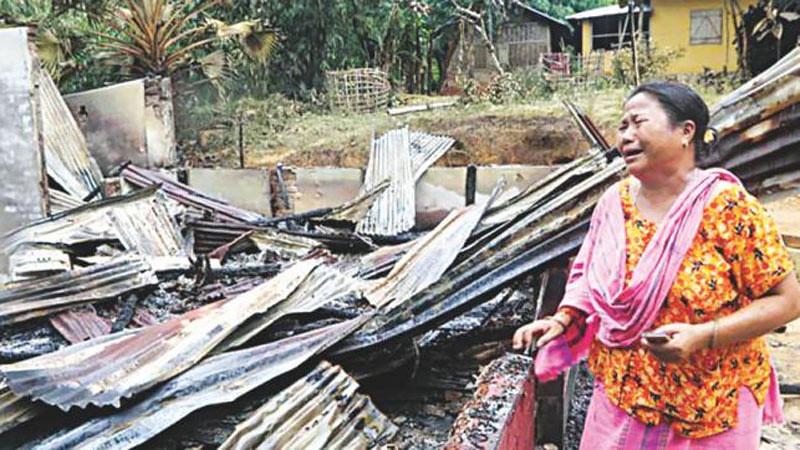 Muslim Benggala Bakar Ratusan Rumah Etnis Minoritas di Bangladesh