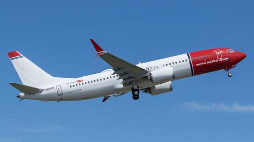 737-8_EI-FYA_05-19-2017-3