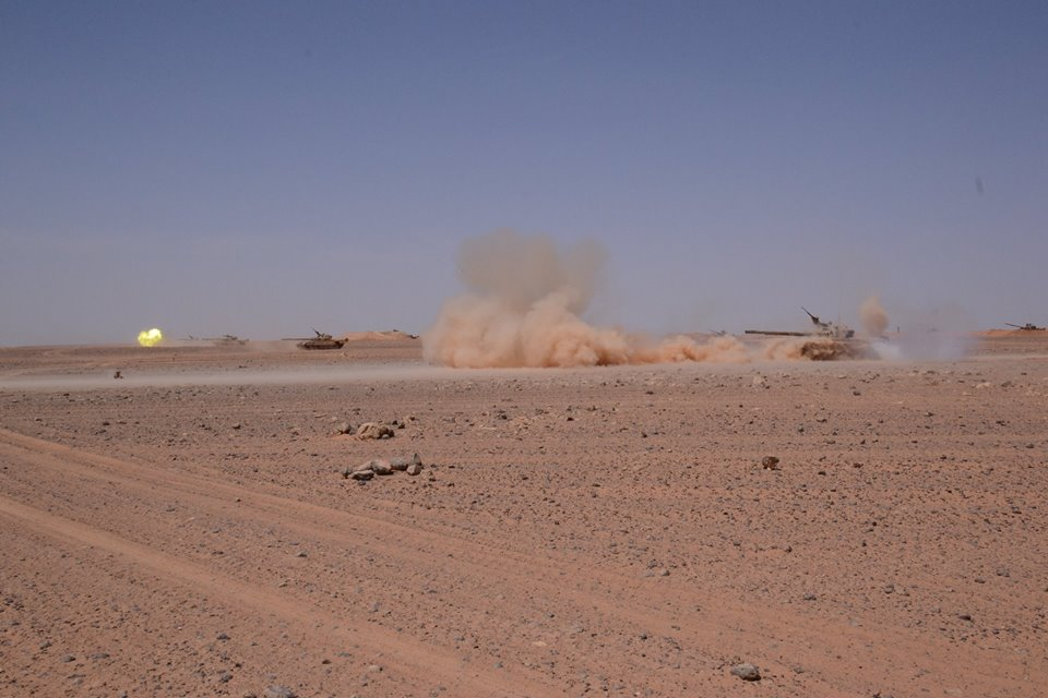صور دبابات قتال رئيسية الجزائرية T-72M/M1/B/BK/AG/S ] Main Battle Tank Algerian ]   - صفحة 4 33979188914_ee6e4932c7_o
