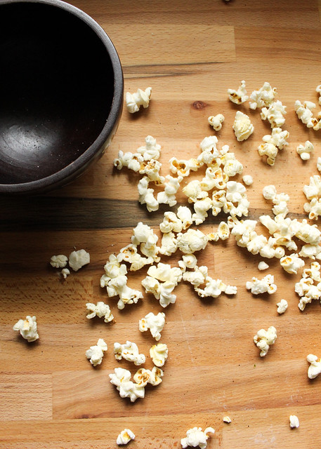 Product Review Skinny Pop Popcorn: Sea Salt & Pepper - Suzie The Foodie