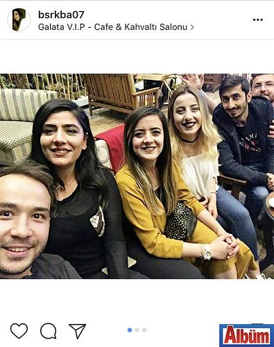 Büşra Kaba, dostları ile iftar yemeğine gittiği Galata VIP KAfe & Kahvaltı Salonu'ndan bu fotoğrafı paylaştı