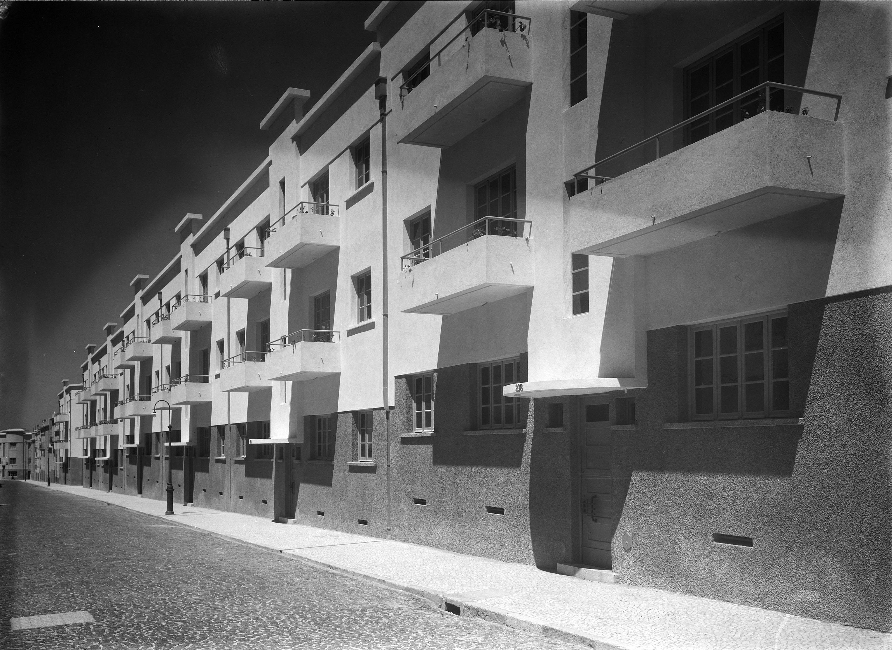 Rua do Barão de Sabrosa, Alto do Pina (M. Novaes, 195...)