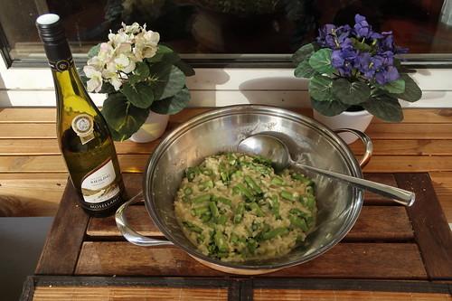 Risotto mit grünem Spargel und Ziegenkäse (ganze Pfanne)