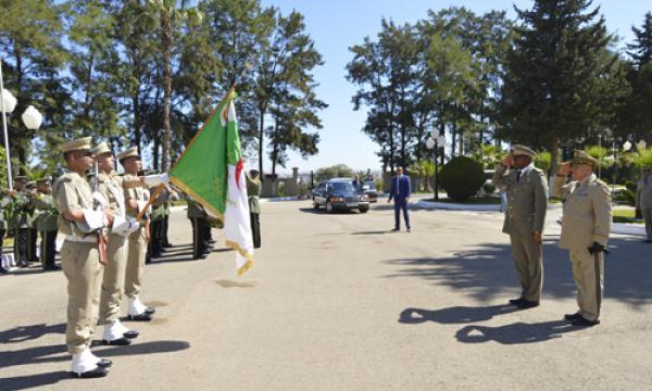الجزائر : صلاحيات نائب وزير الدفاع الوطني - صفحة 14 34740539832_c60d4a7e98_o