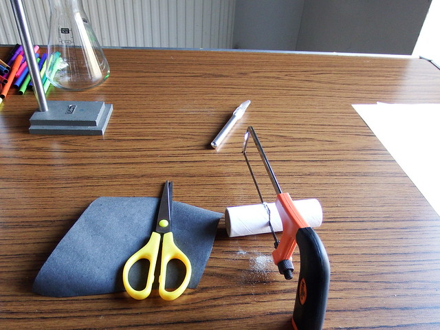 Spectroscope activity from chapter 4 of Messy Church Does Science