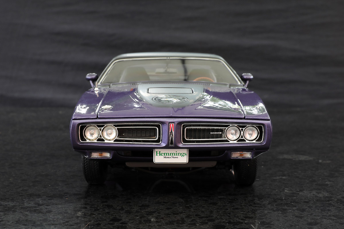 Autoworld 1:18 Dodge Charger Super Bee \'71 (purple) - DX Muscle Cars ...