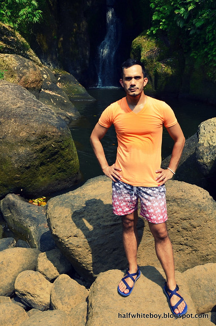 halfwhiteboy - orange t-shirt and ombre swim shorts 05