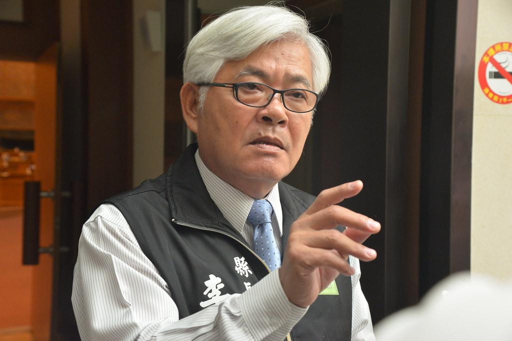12日雲林縣長李進勇針對許可證核發進行說明。圖片來源:雲林縣府