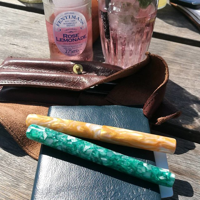 When going out for a day at the beach, the pens come out and play too 😊 These two pretties are from @woodshedpenco  . . . #FPN #fountainpennetwork #fpgeeks #supportsmallbusiness #fountainpen #penaddict #stationeryaddict #papsweden #stalogy #enjoylit