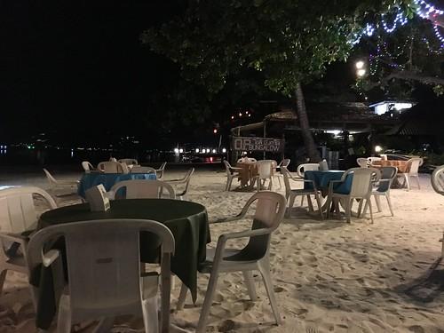 今日のサムイ島 6月16日 チャウエンビーチ北のオンザビーチレストラン-OP レストラン