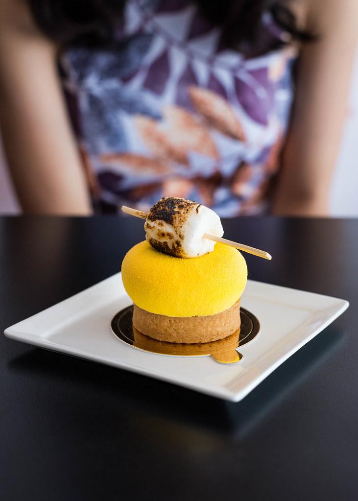 Simpang Bedok: D 'zerts咖啡馆