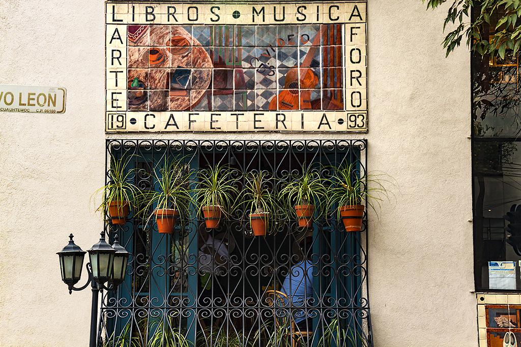 El Pendulo in Condesa--Mexico City
