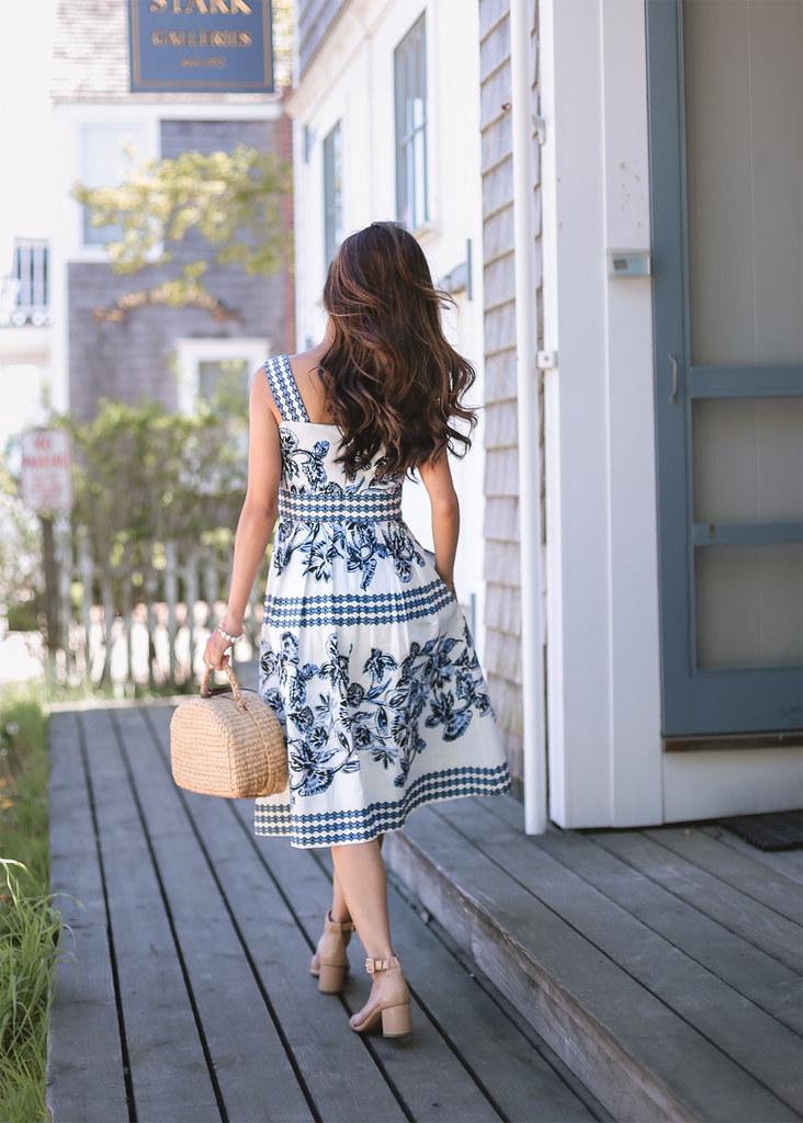 blue white print sundress summer petite outfits