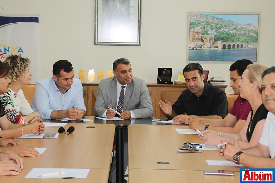 Alanya Belediye Başkanı Adem Murat Yücel, Alanya Kaymakamı Mustafa Harputlu, ALTAV Başkan Yardımcısı Mehmet Dahaoğlu