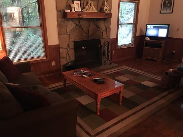 The Honeymooner Cabin - Smoky Mountains