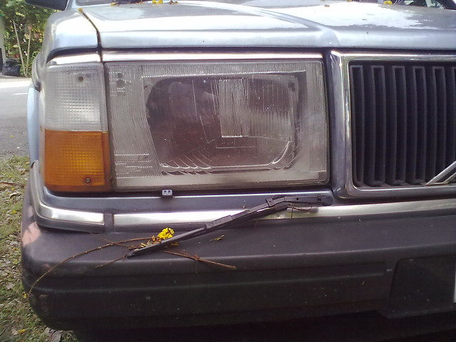 Headlamp wiper