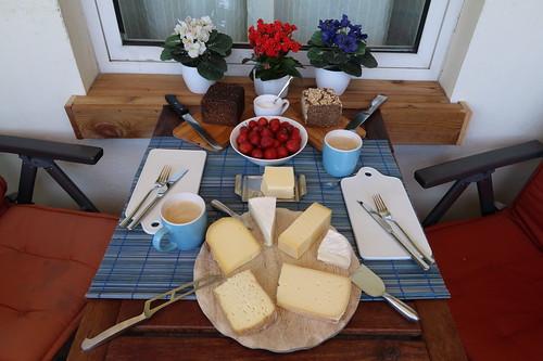 Käsefrühstück nach Marktbesuch