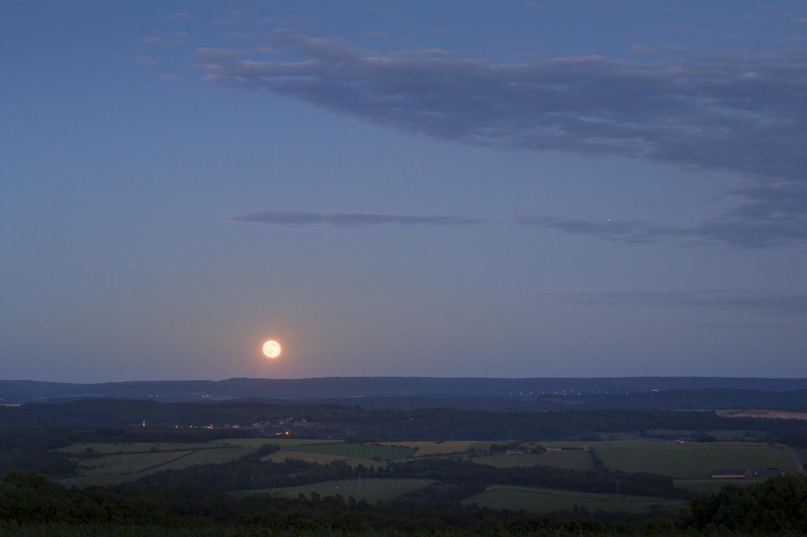 Lune et Voie Lactée 35401967935_d9acc4af99_h