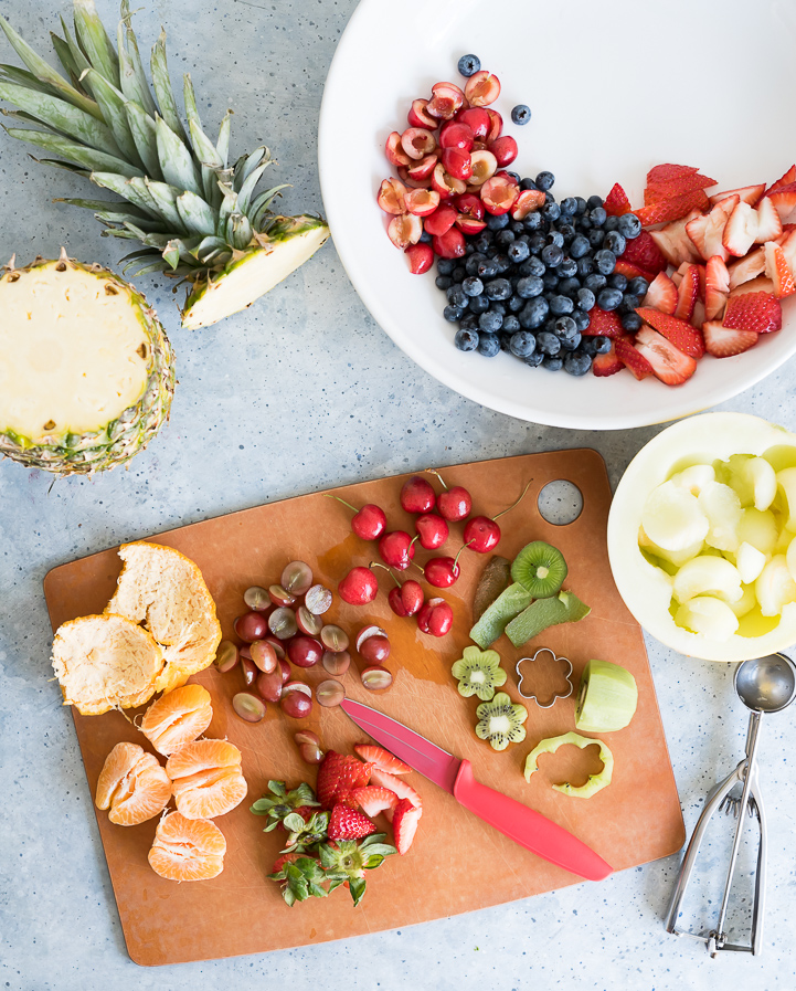 Summer Fruit Salad with Honey Lime Vinaigrette www.pineappleandcoconut.com #Discoverworldmarket #ad
