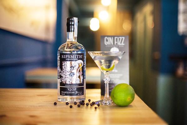 Gin Fizz Cocktail Bar Bilbao
