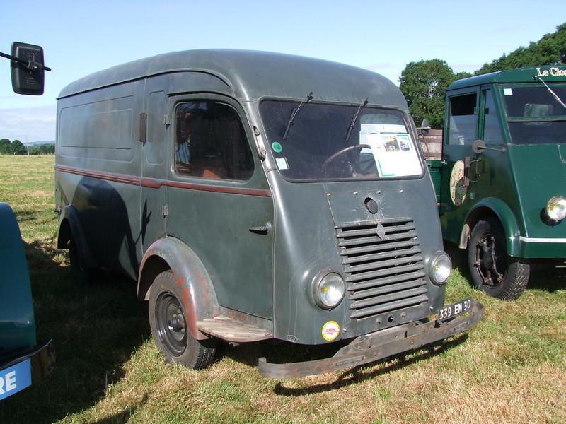 Rassemblement de camions anciens en Normandie 35144864040_74134a2675_c