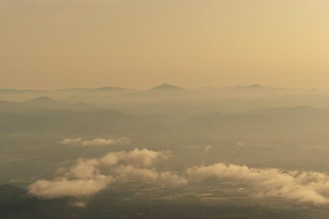 高千穂峰から眺める九州の山並み